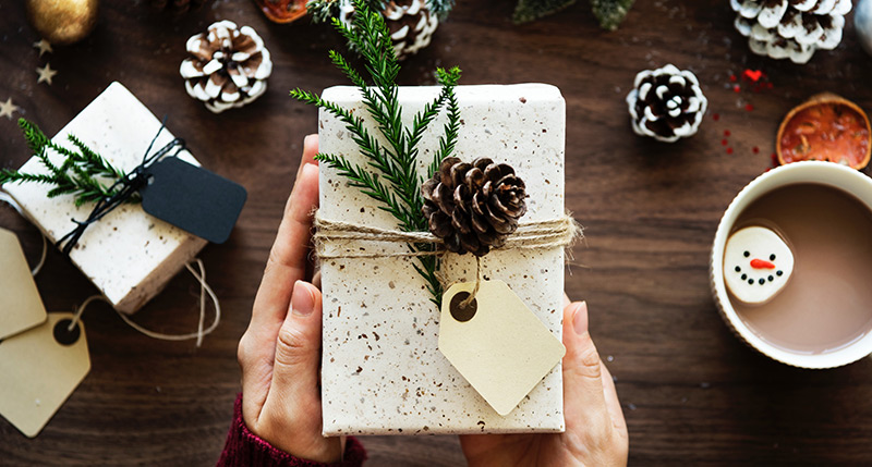 7 Ways to De-Stress Your Holiday Season